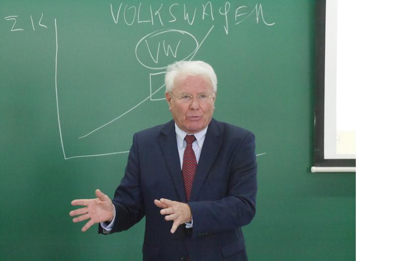 prof-_klaus_m-leisinger3